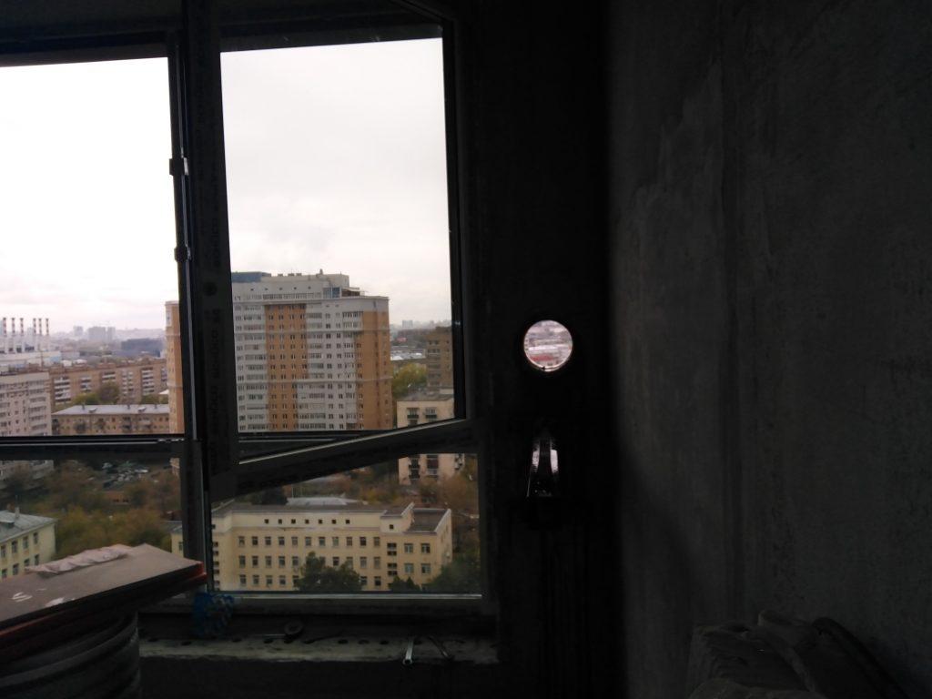 алмазное бурение стены из бетона у окна